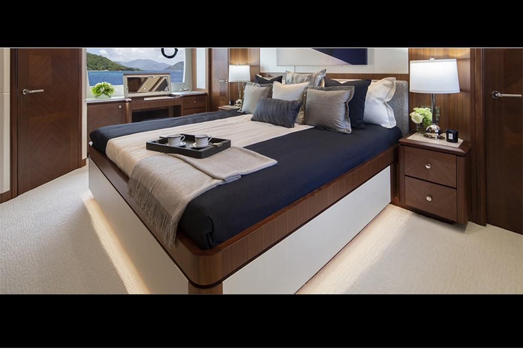 2019 Ocean Alexander 88 Motoryacht Skylounge Image Thumbnail #17