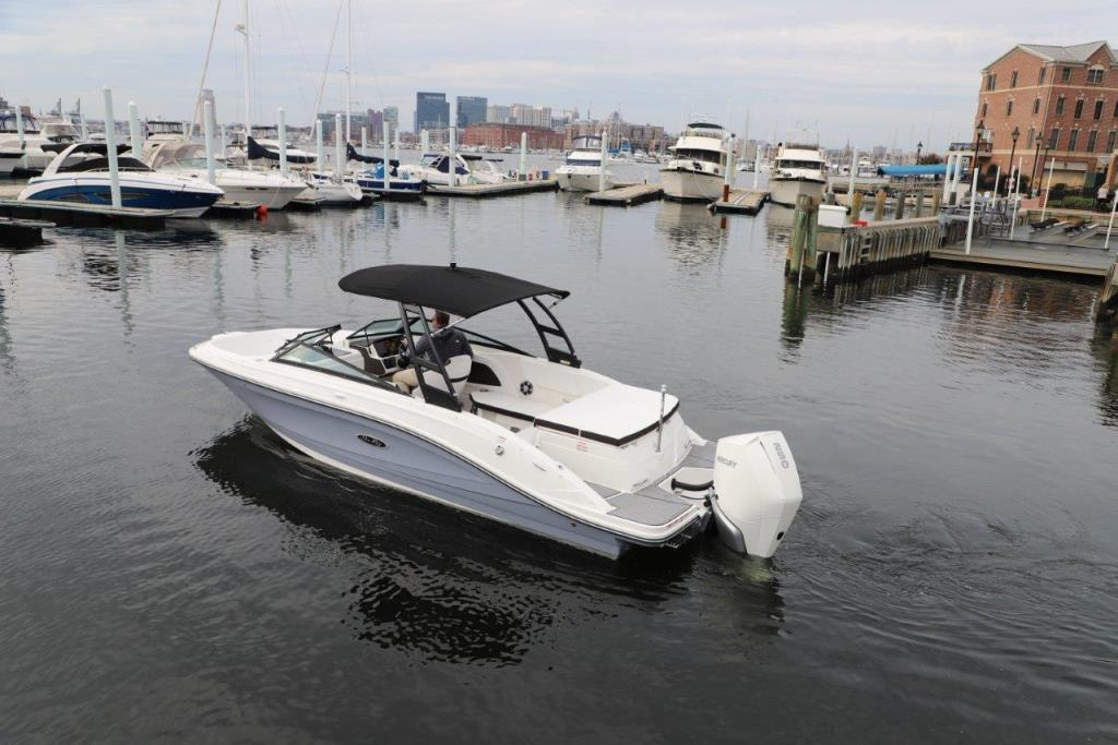 Thumbnail 2 for 2020 Sea Ray SPX 230 Outboard