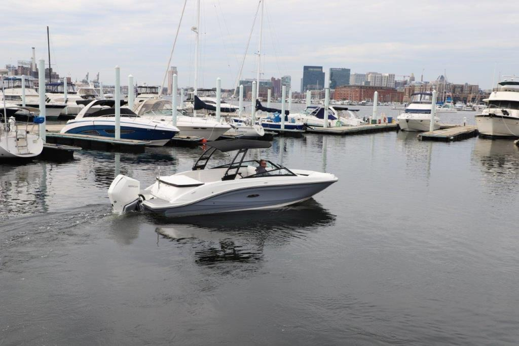 Thumbnail 4 for 2020 Sea Ray SPX 230 Outboard