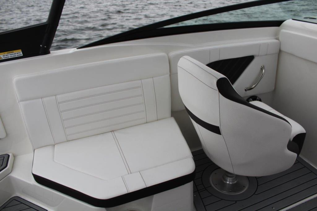 Photo 15 for 2020 Sea Ray SPX 230 Outboard