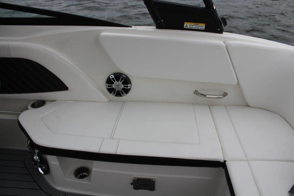 Photo 14 for 2020 Sea Ray SPX 230 Outboard