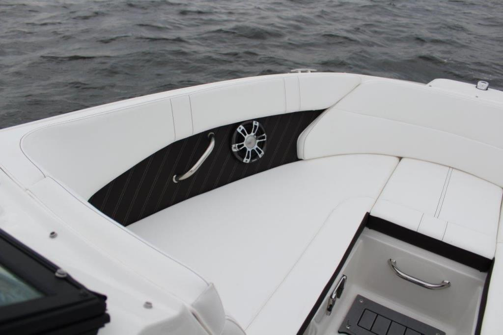 Photo 23 for 2020 Sea Ray SPX 230 Outboard