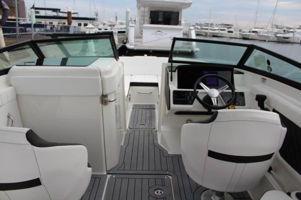 Photo 16 for 2020 Sea Ray SPX 230 Outboard