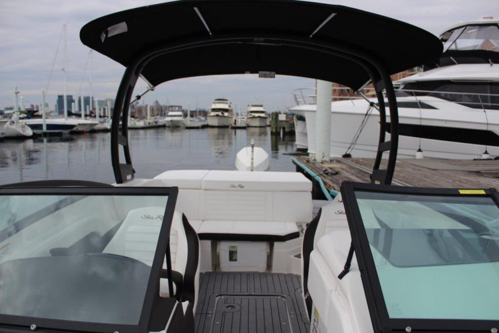 Photo 32 for 2020 Sea Ray SPX 230 Outboard