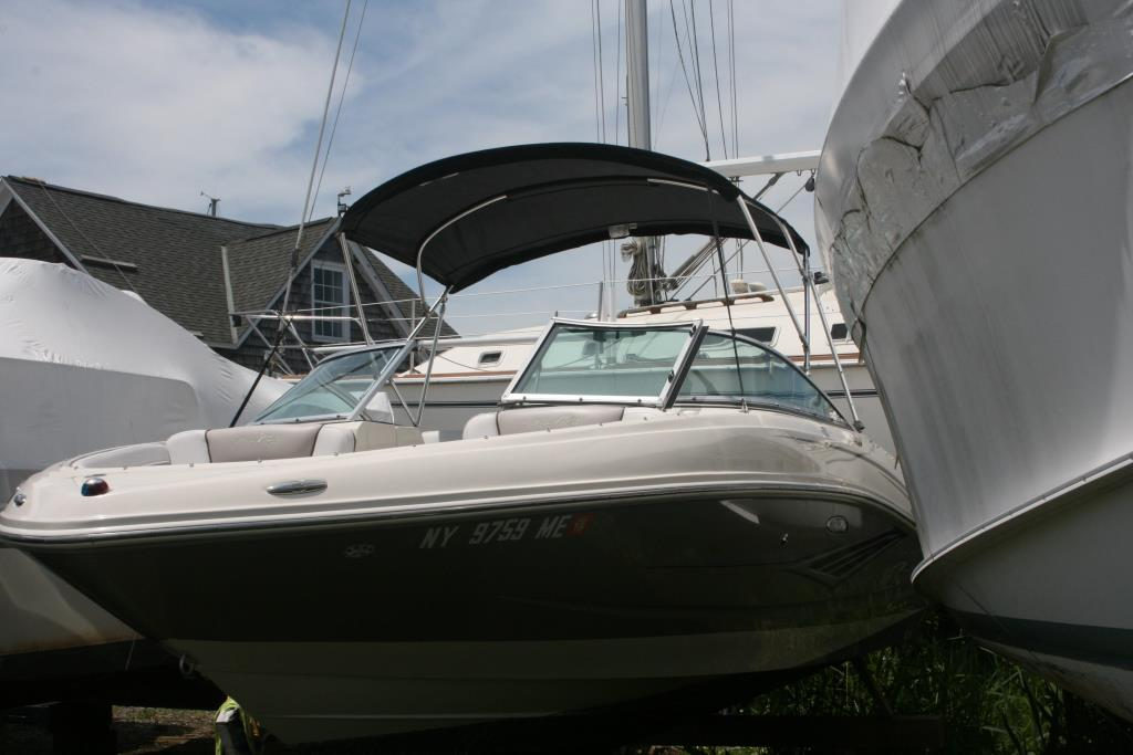 2010 Sea Ray 210 SEL Image Thumbnail #0