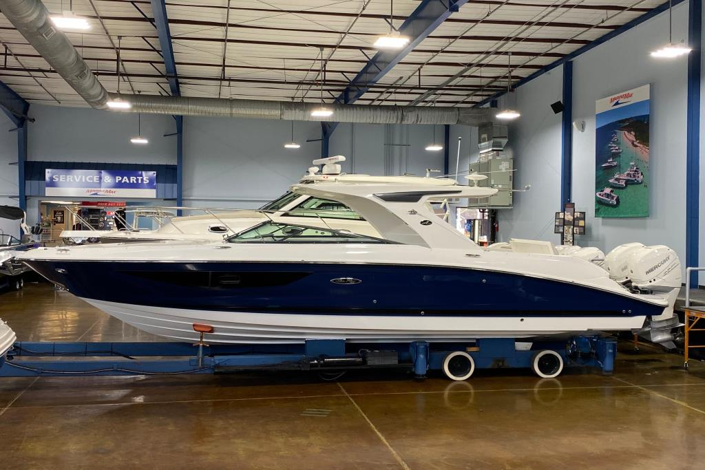 2020 Sea Ray SLX 350 Outboard Image Thumbnail #0