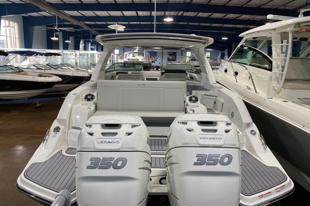 2020 Sea Ray SLX 350 Outboard Image Thumbnail #2