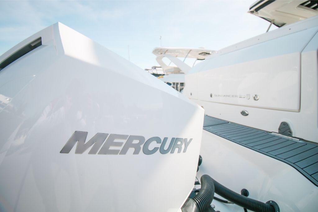 2020 Sea Ray Sundancer 320 Outboard Image Thumbnail #3