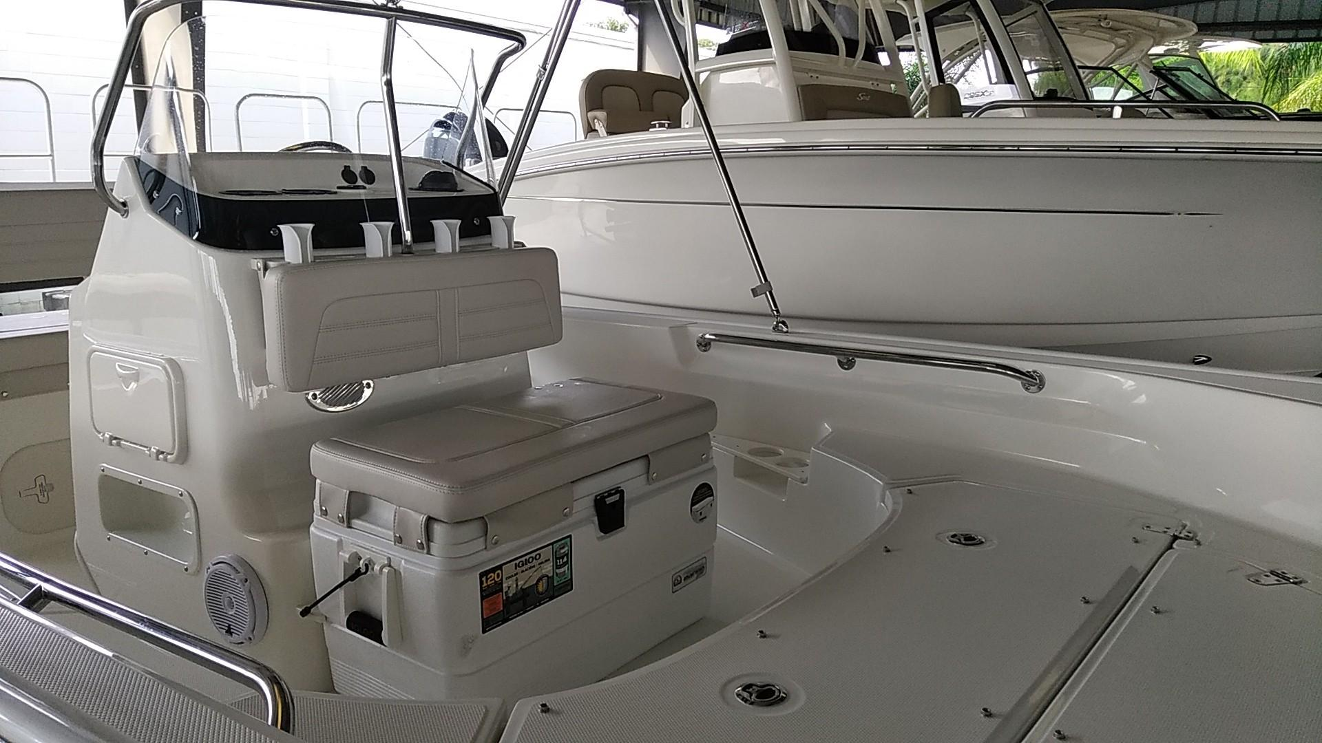 2020 Boston Whaler 170 Montauk Image Thumbnail #6