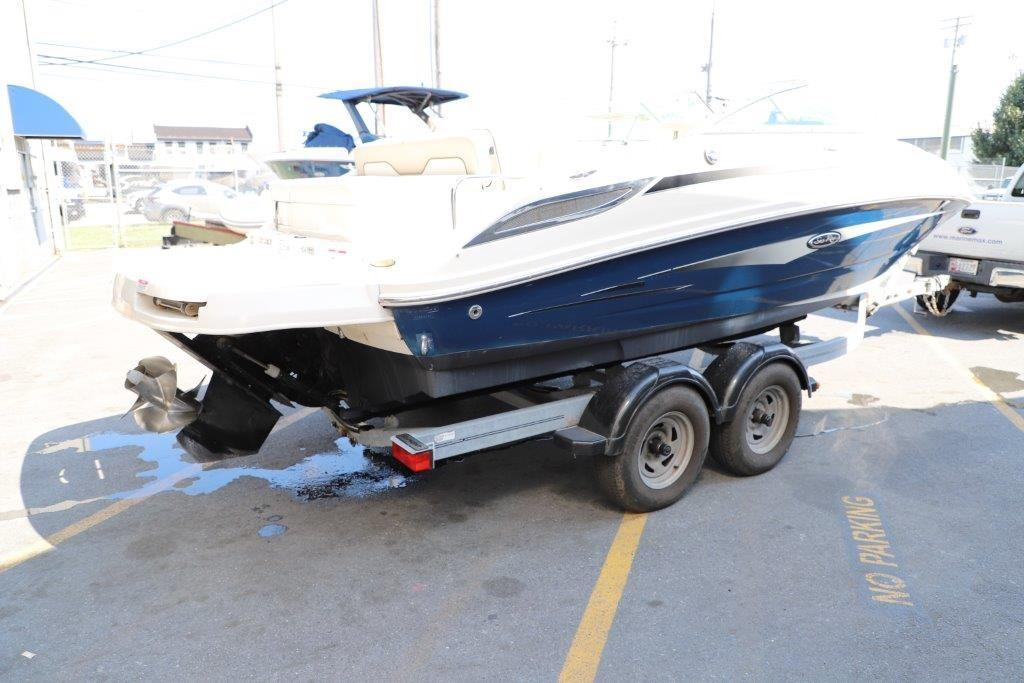 2010 Sea Ray 220 Sundeck Image Thumbnail #6