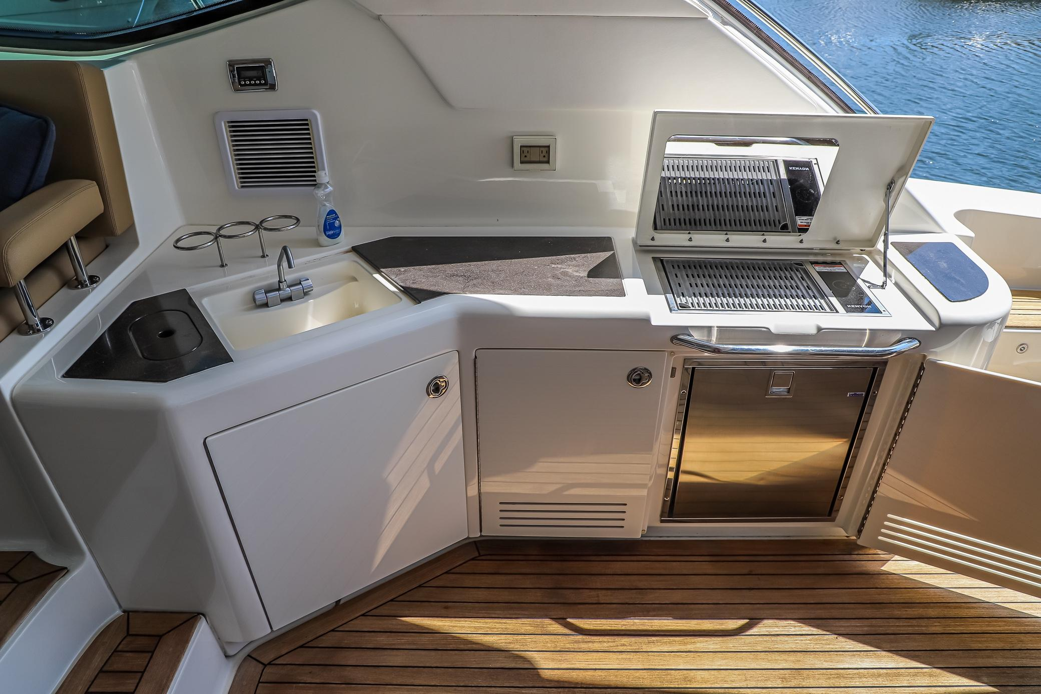 Photo 20 for 2015 Sea Ray 540 Sundancer