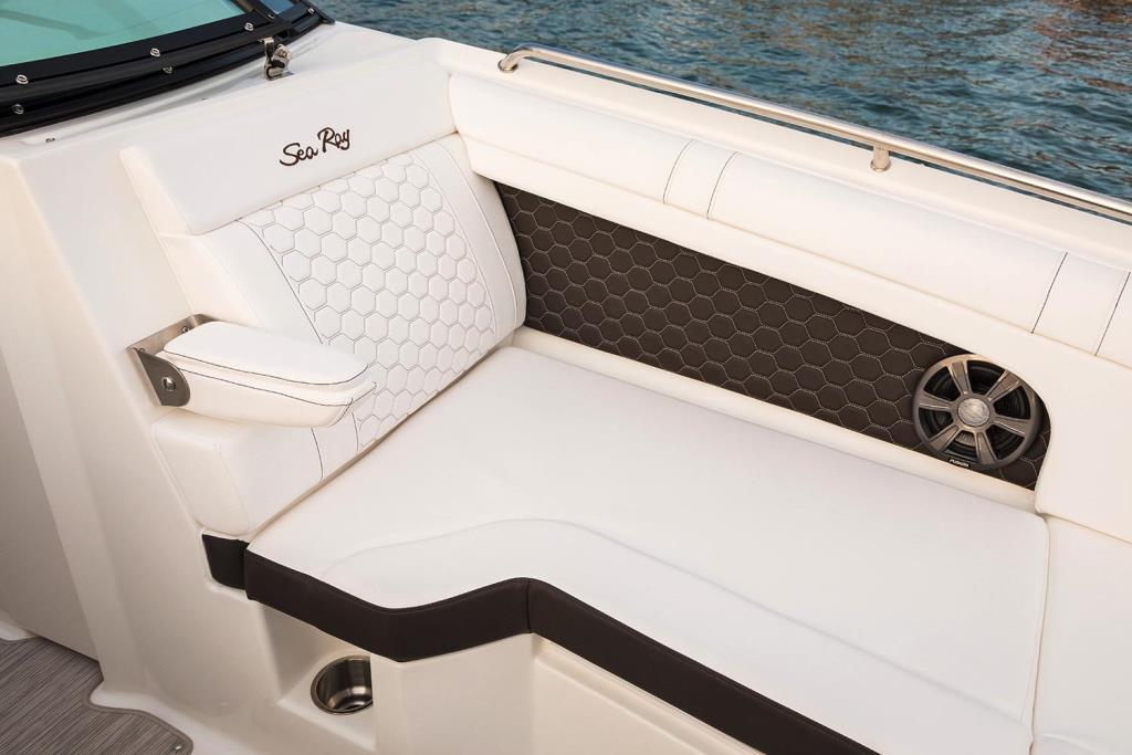 2020 Sea Ray SDX 270 Outboard Image Thumbnail #20