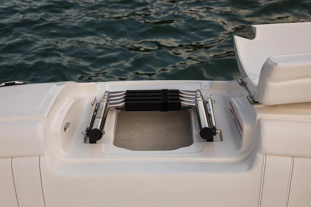 2020 Sea Ray SDX 270 Outboard Image Thumbnail #27