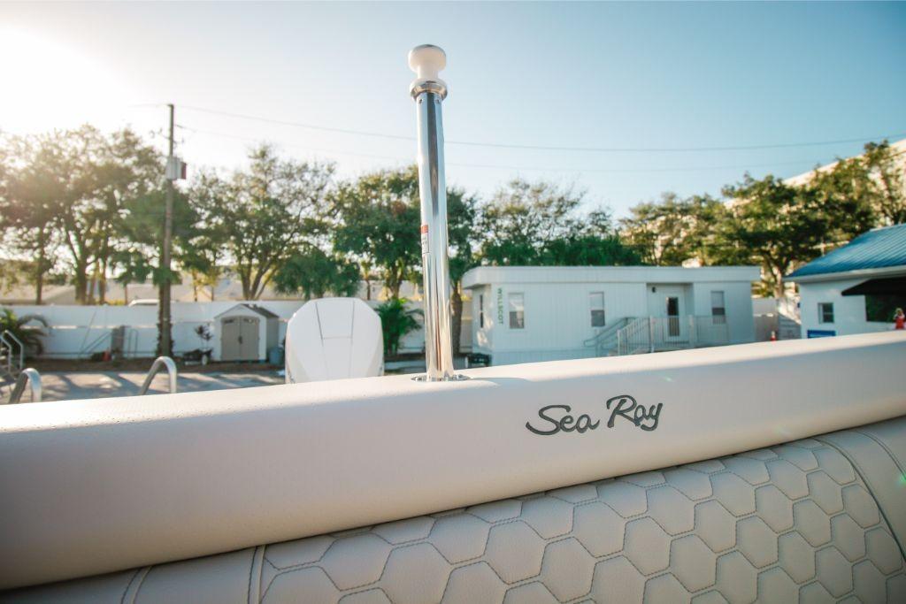 2020 Sea Ray SDX 270 Outboard Image Thumbnail #9