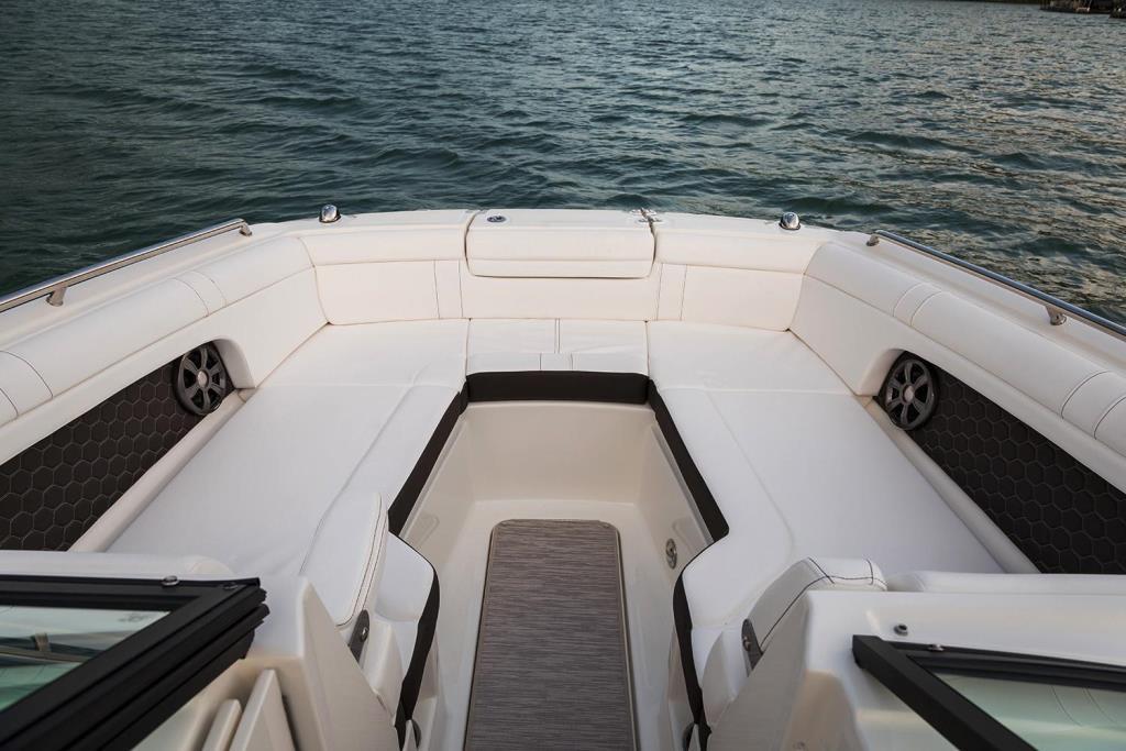 2020 Sea Ray SDX 270 Outboard Image Thumbnail #3