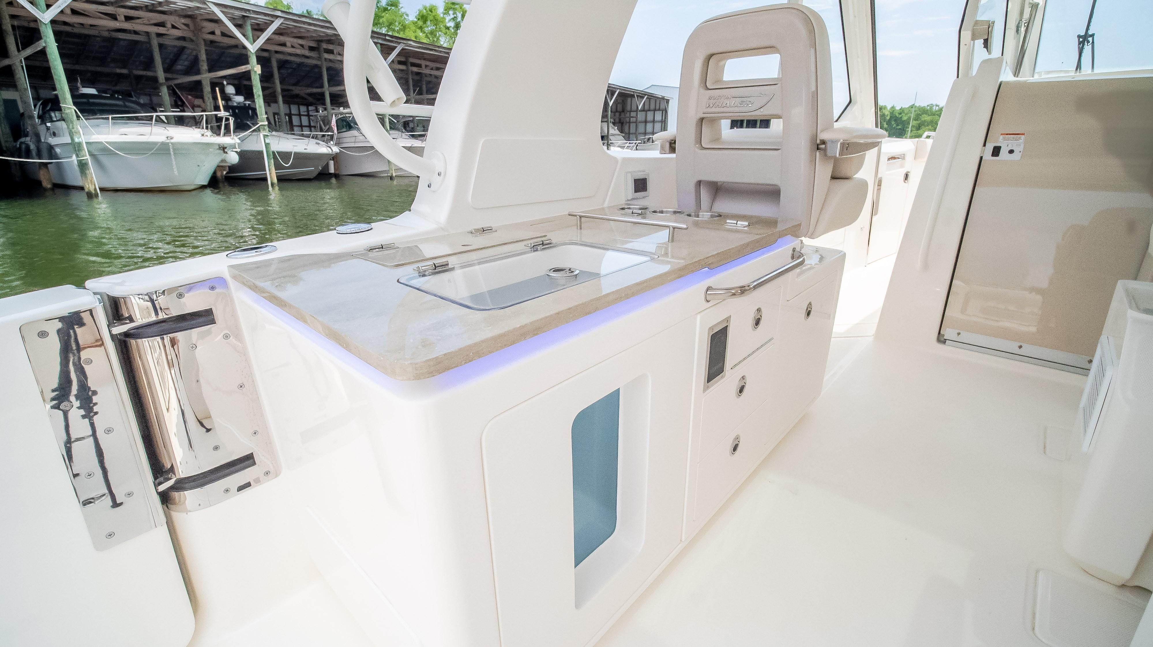 2020 Boston Whaler                                                              380 Realm Image Thumbnail #16