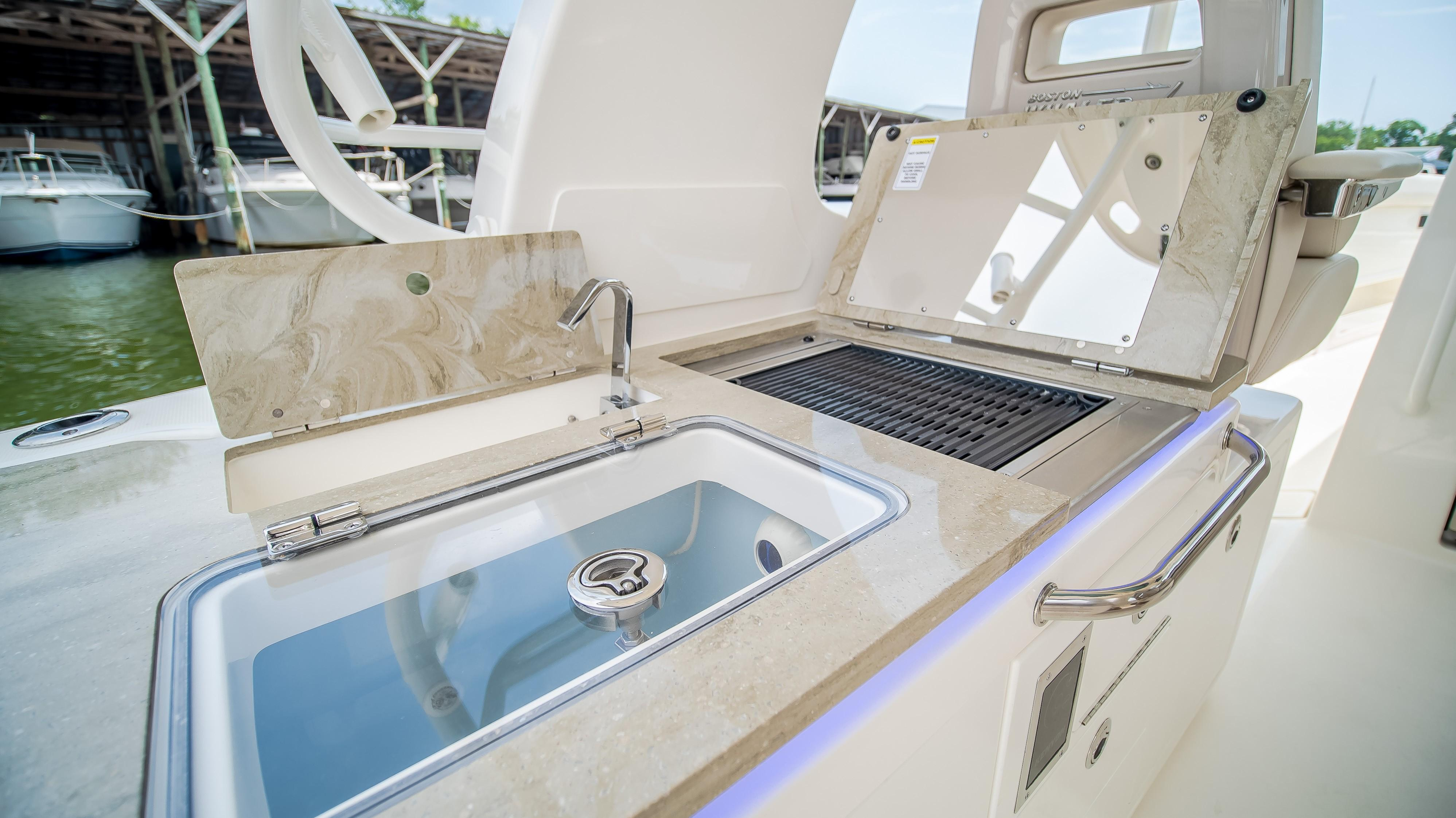 2020 Boston Whaler                                                              380 Realm Image Thumbnail #17