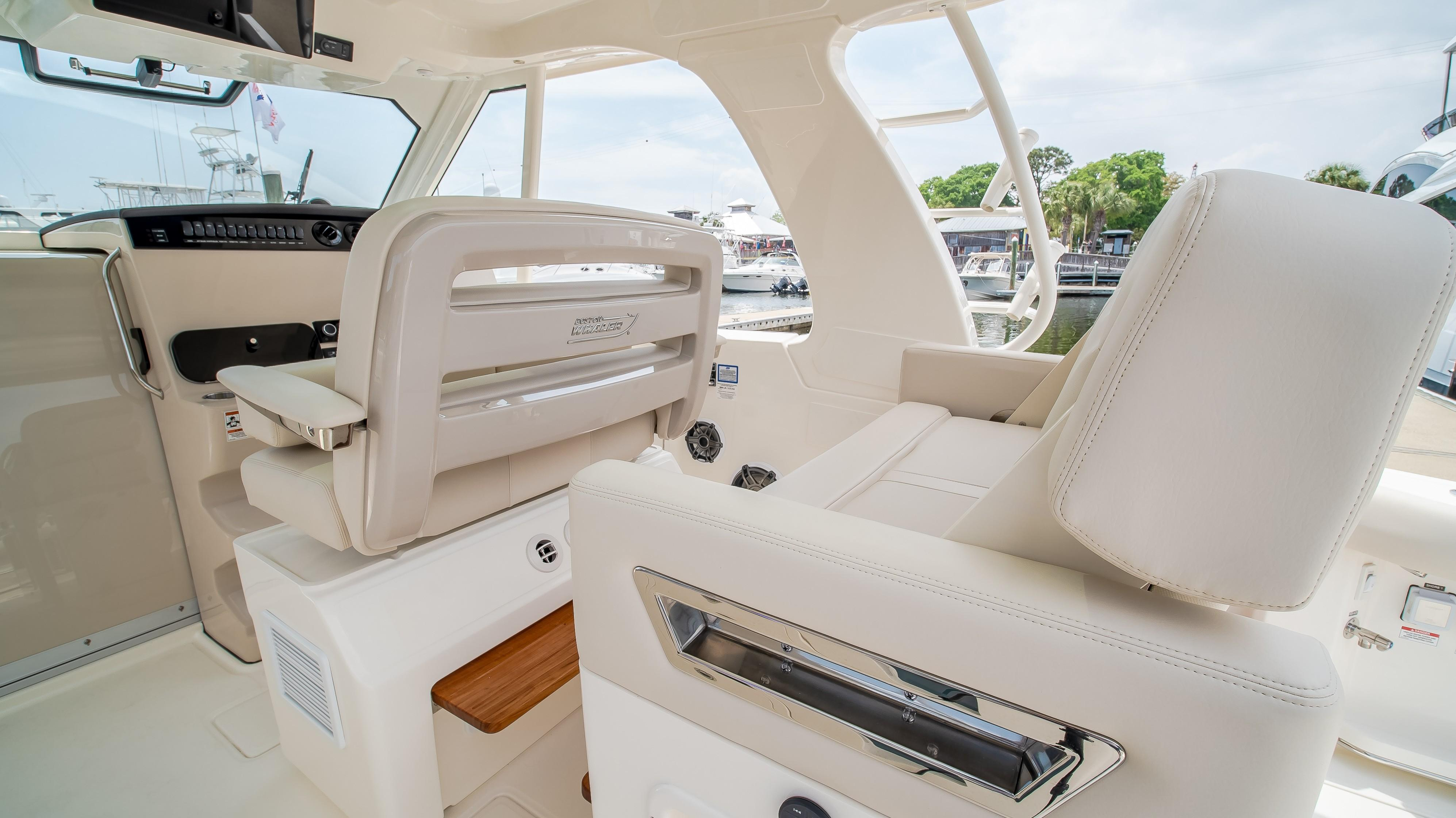 2020 Boston Whaler                                                              380 Realm Image Thumbnail #18