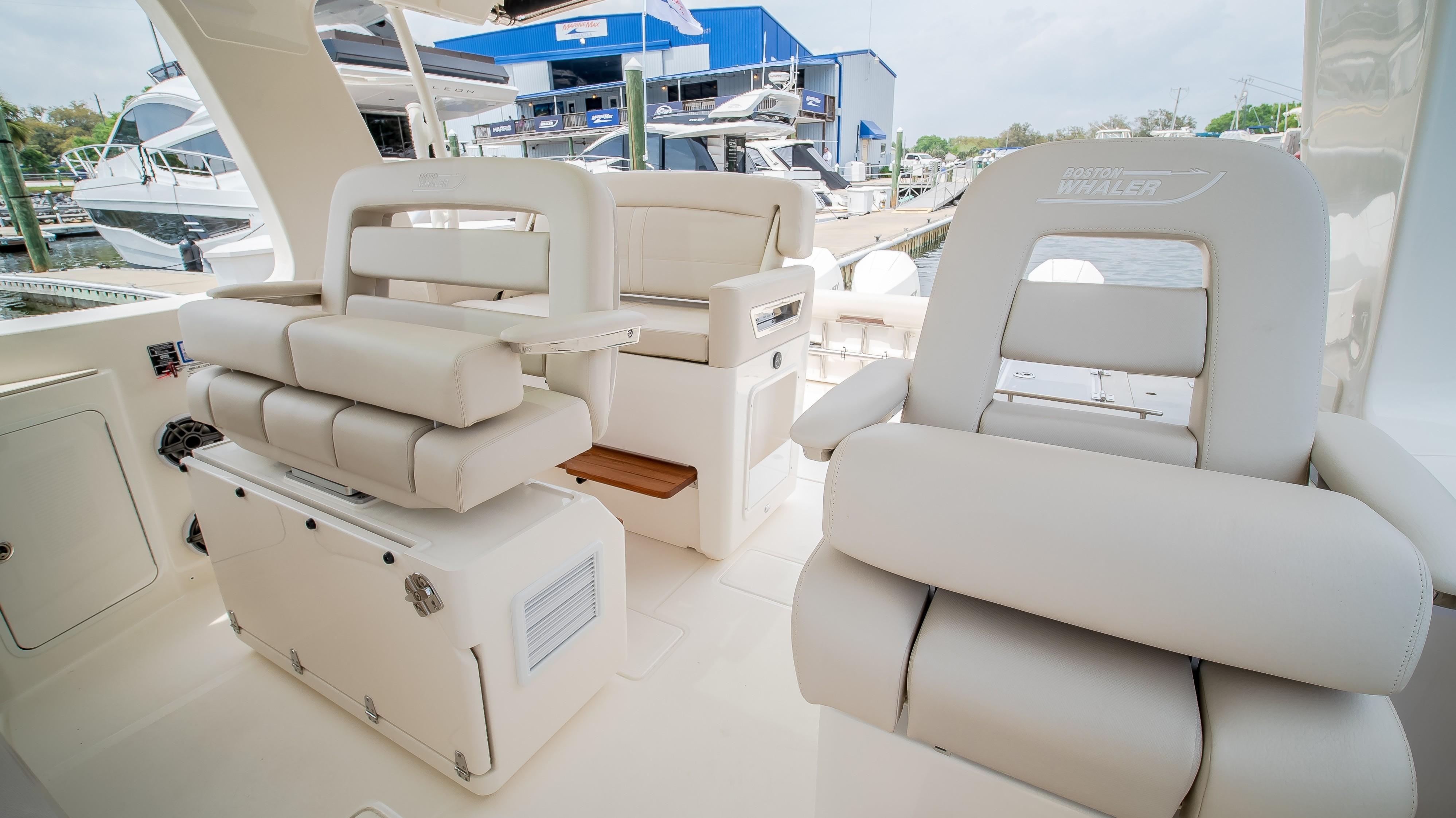 2020 Boston Whaler                                                              380 Realm Image Thumbnail #19