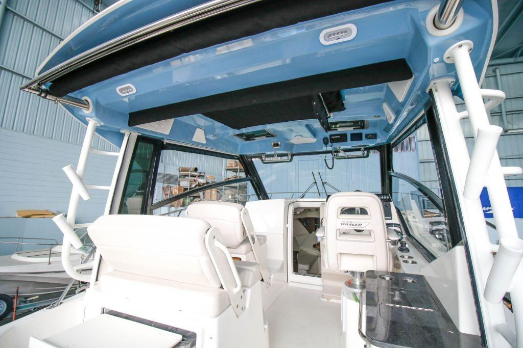 2020 Boston Whaler 325 Conquest Image Thumbnail #3