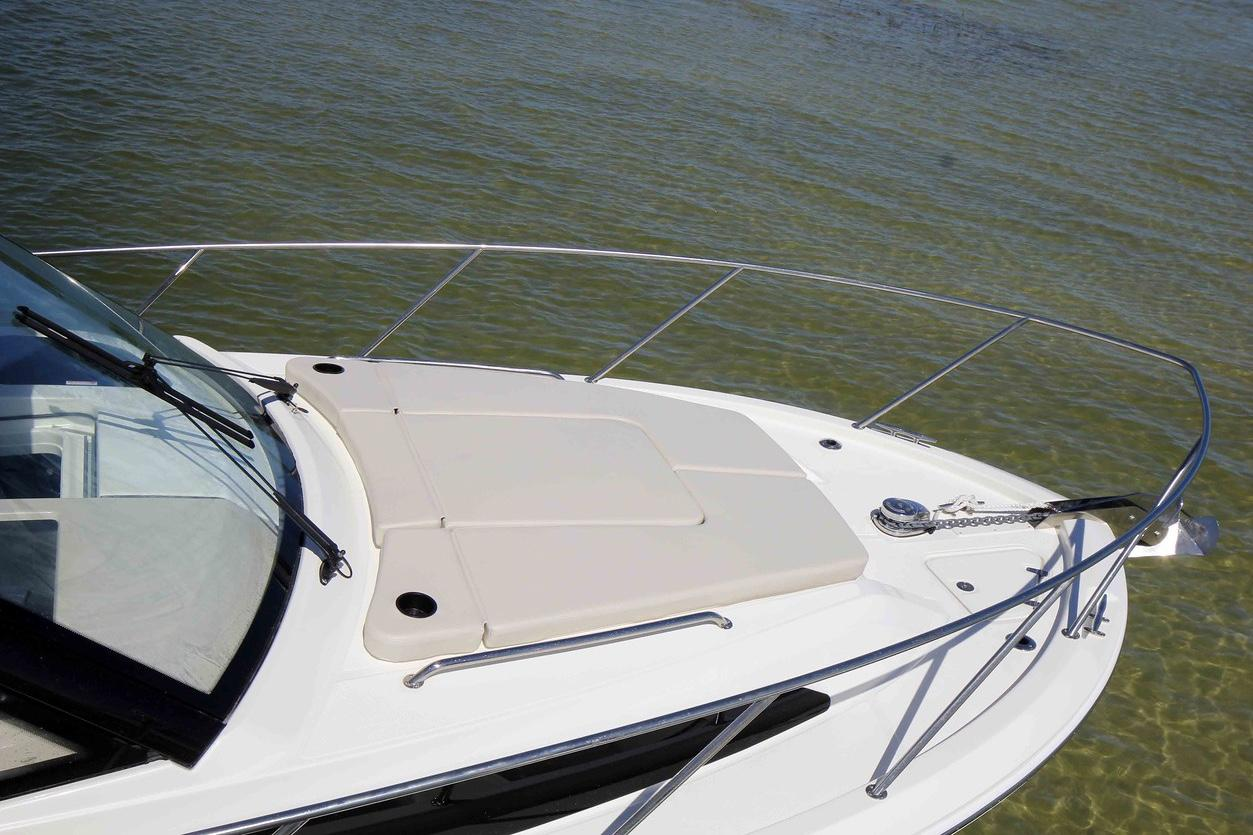 2020 Boston Whaler 325 Conquest Image Thumbnail #10