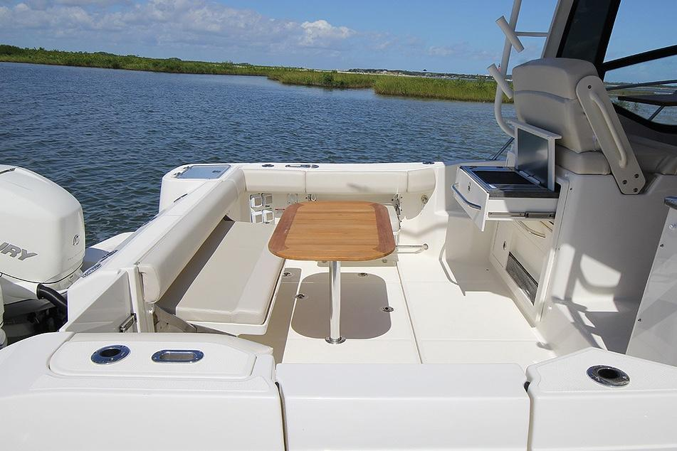 2020 Boston Whaler 325 Conquest Image Thumbnail #11