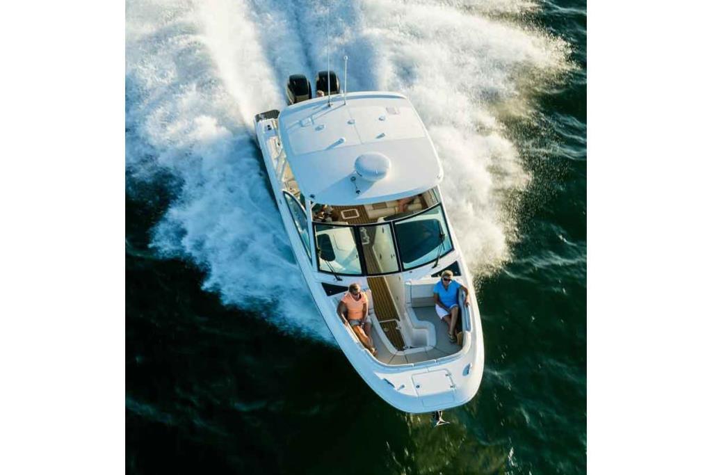 2020 Boston Whaler 320 Vantage Image Thumbnail #1