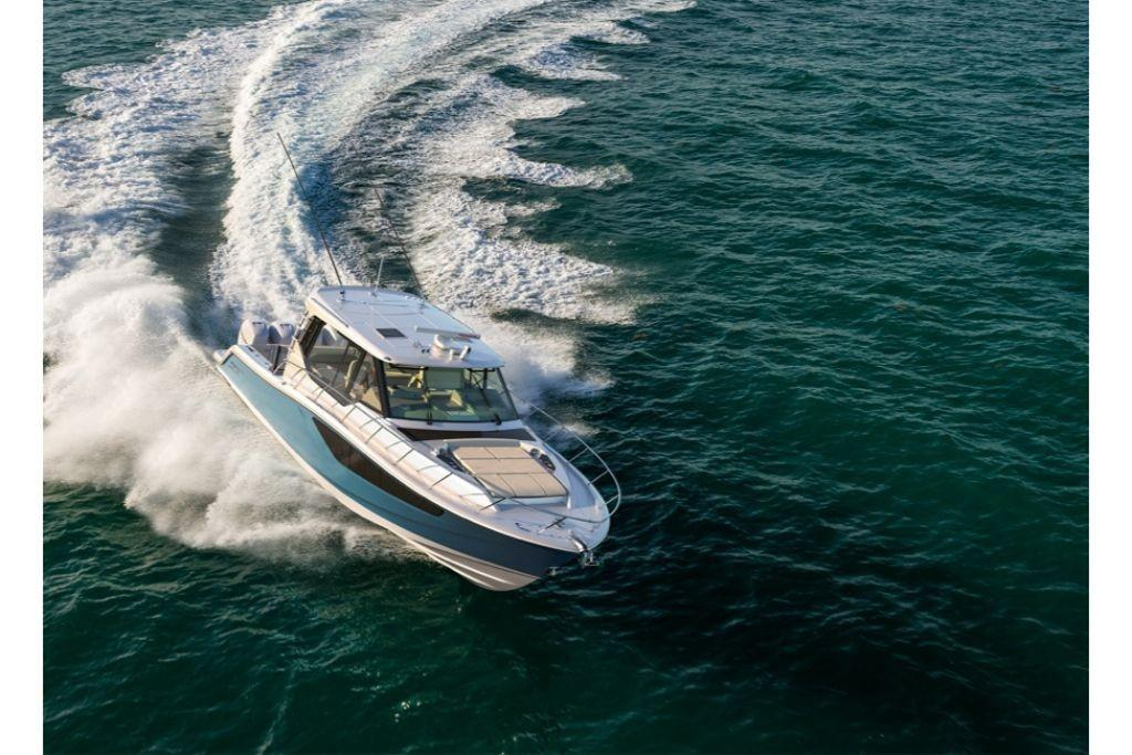 2021 Boston Whaler                                                              405 Conquest Image Thumbnail #2