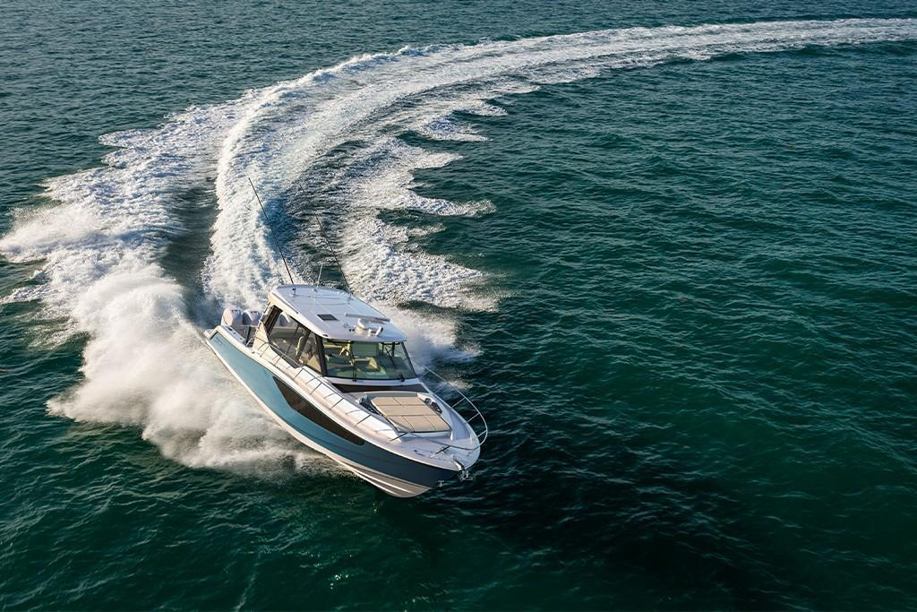 Thumbnail 2 for 2021 Boston Whaler 405 Conquest
