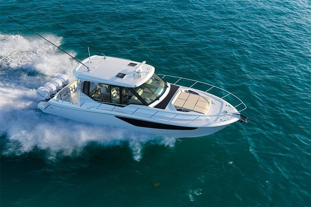 Thumbnail 4 for 2021 Boston Whaler 405 Conquest