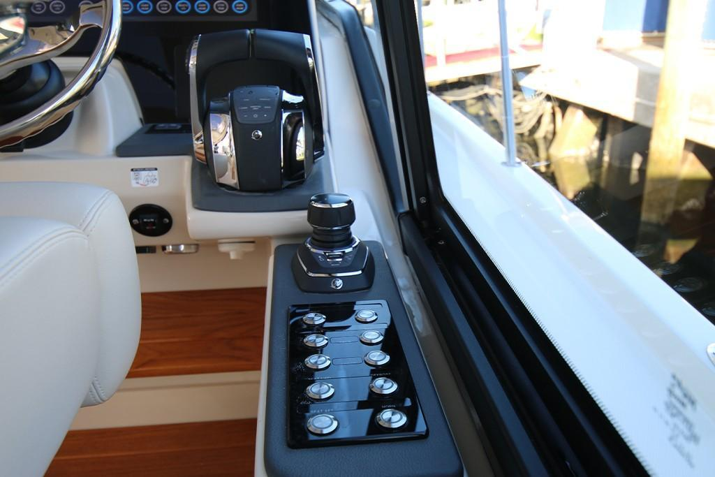 Photo 30 for 2021 Boston Whaler 405 Conquest