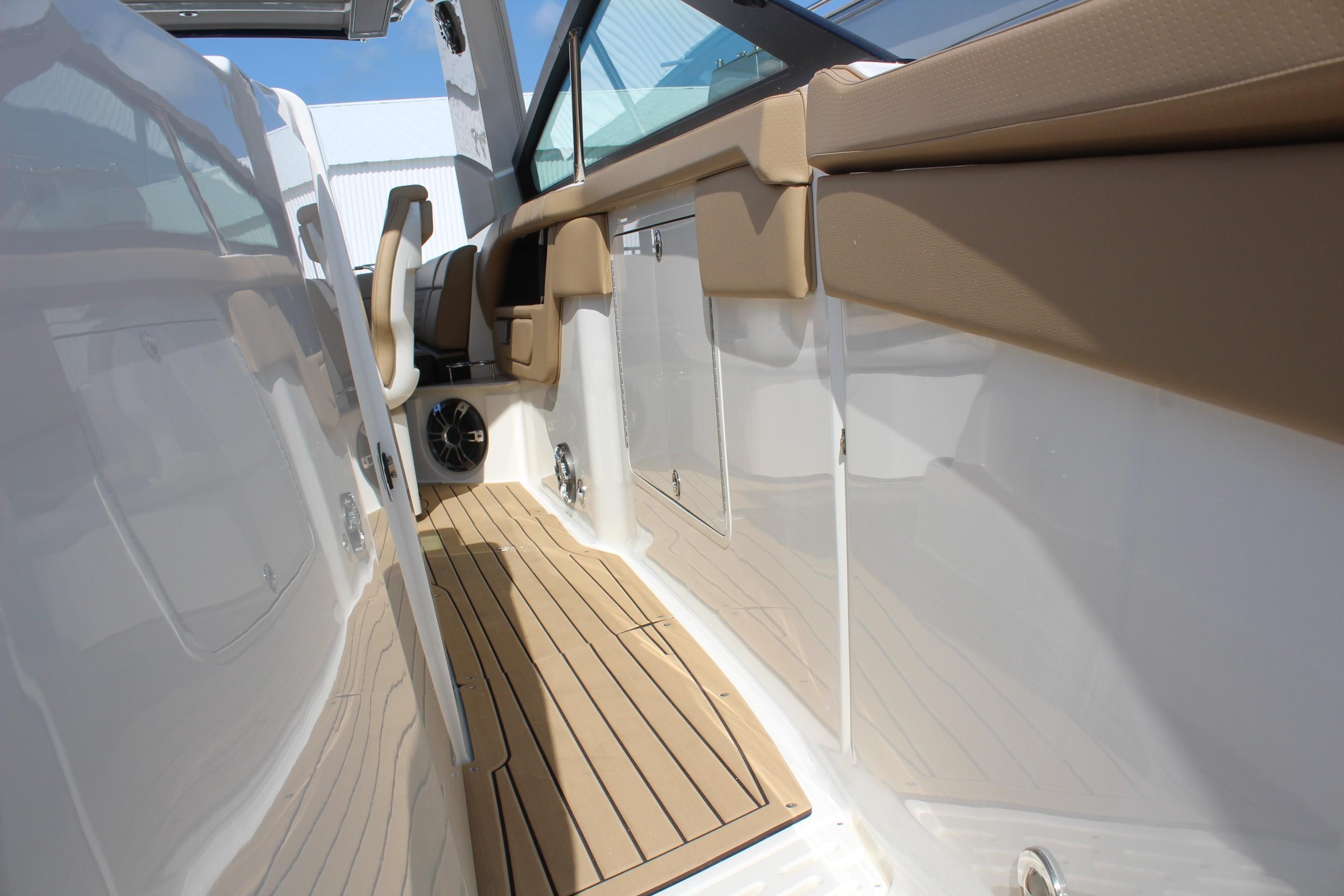 2020 Sea Ray                                                              SLX 400 OB Image Thumbnail #18