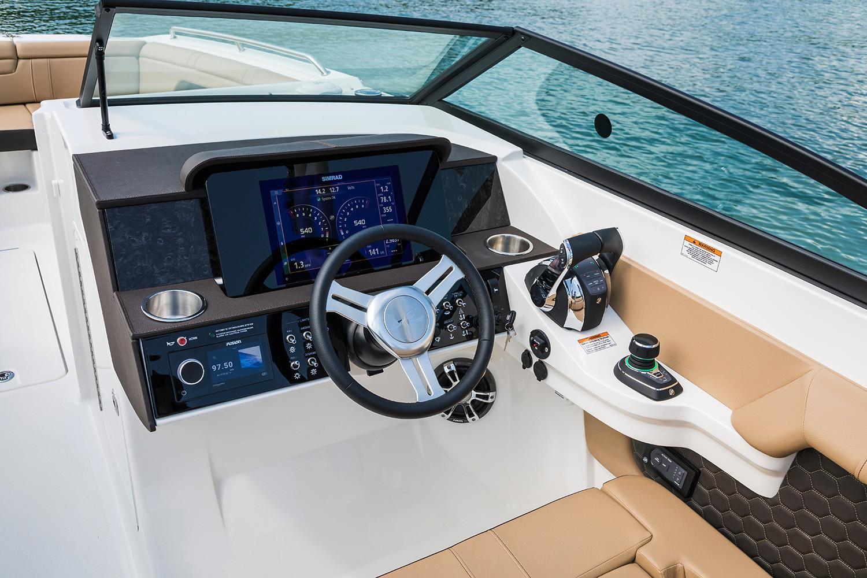 2020 Sea Ray SDX 290 Outboard Image Thumbnail #10
