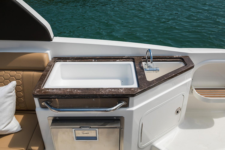 2020 Sea Ray SDX 290 Outboard Image Thumbnail #17