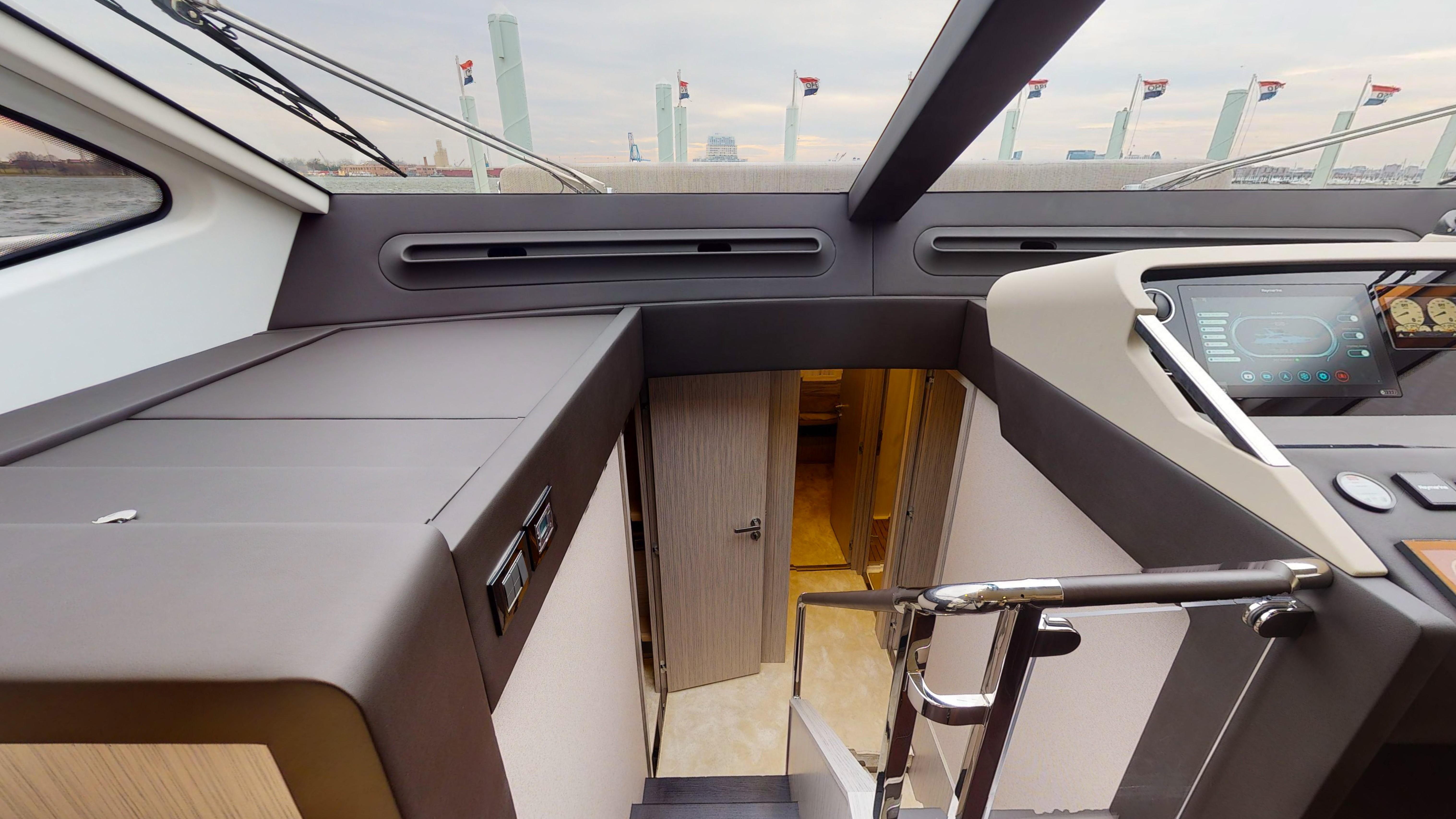 2020 Azimut 66 Flybridge Image Thumbnail #23