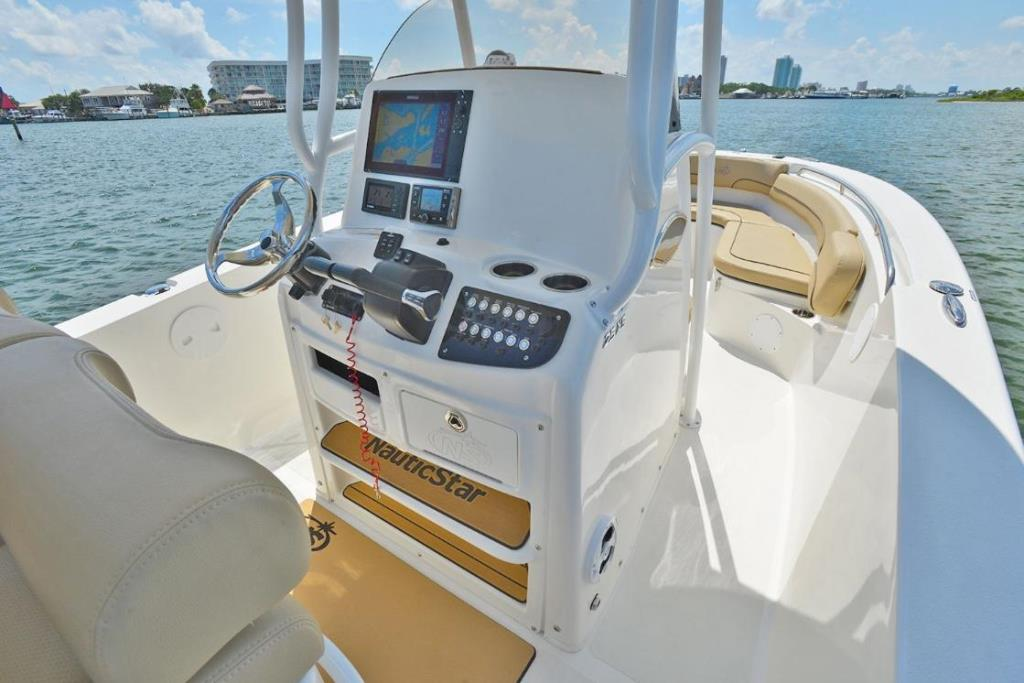 2020 NauticStar                                                              25 XS Offshore Image Thumbnail #8