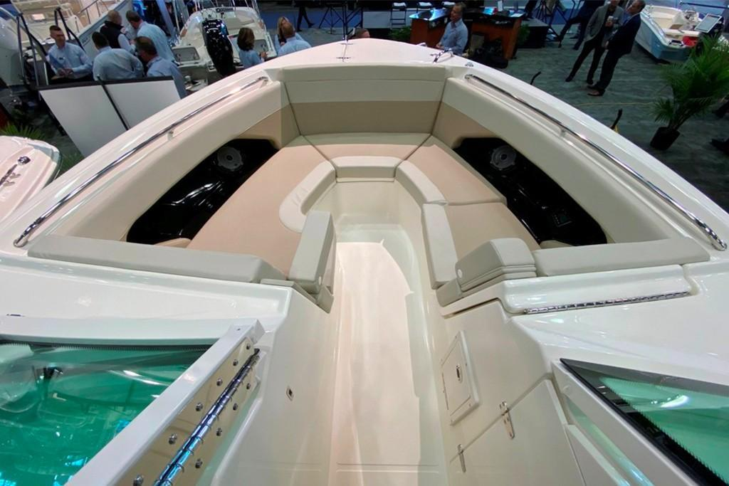2021 Boston Whaler                                                              280 Vantage Image Thumbnail #2