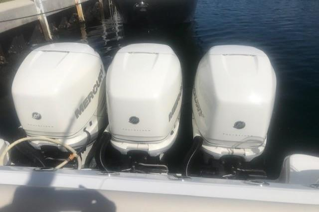 2017 Boston Whaler                                                              350 OR Image Thumbnail #17