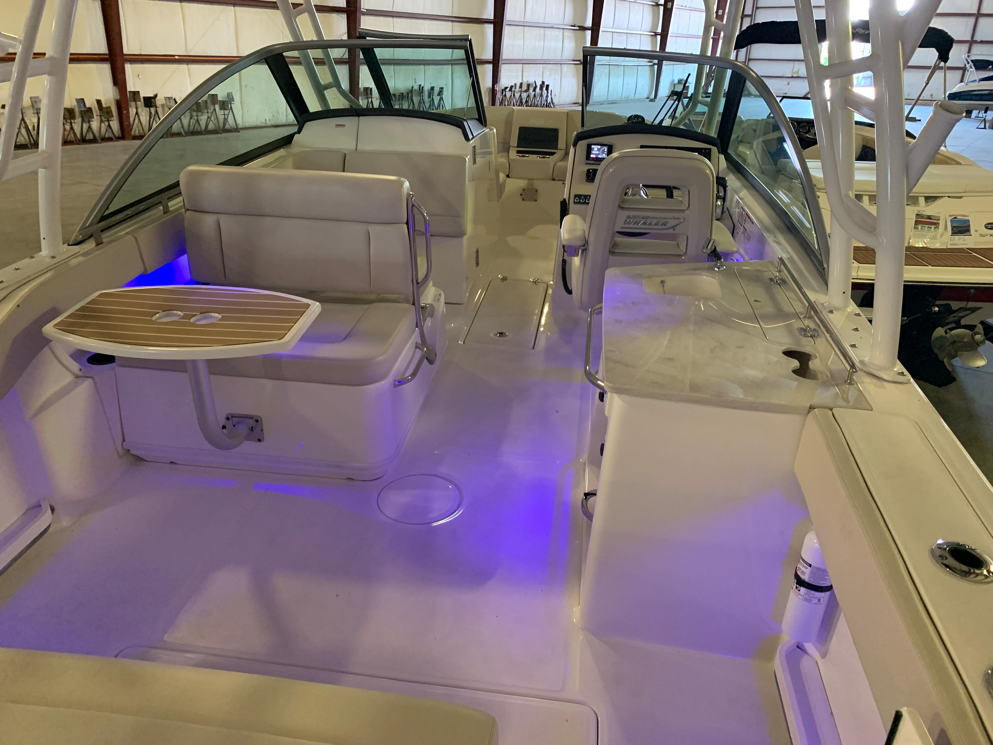 2018 Boston Whaler                                                              270 Vantage Image Thumbnail #14
