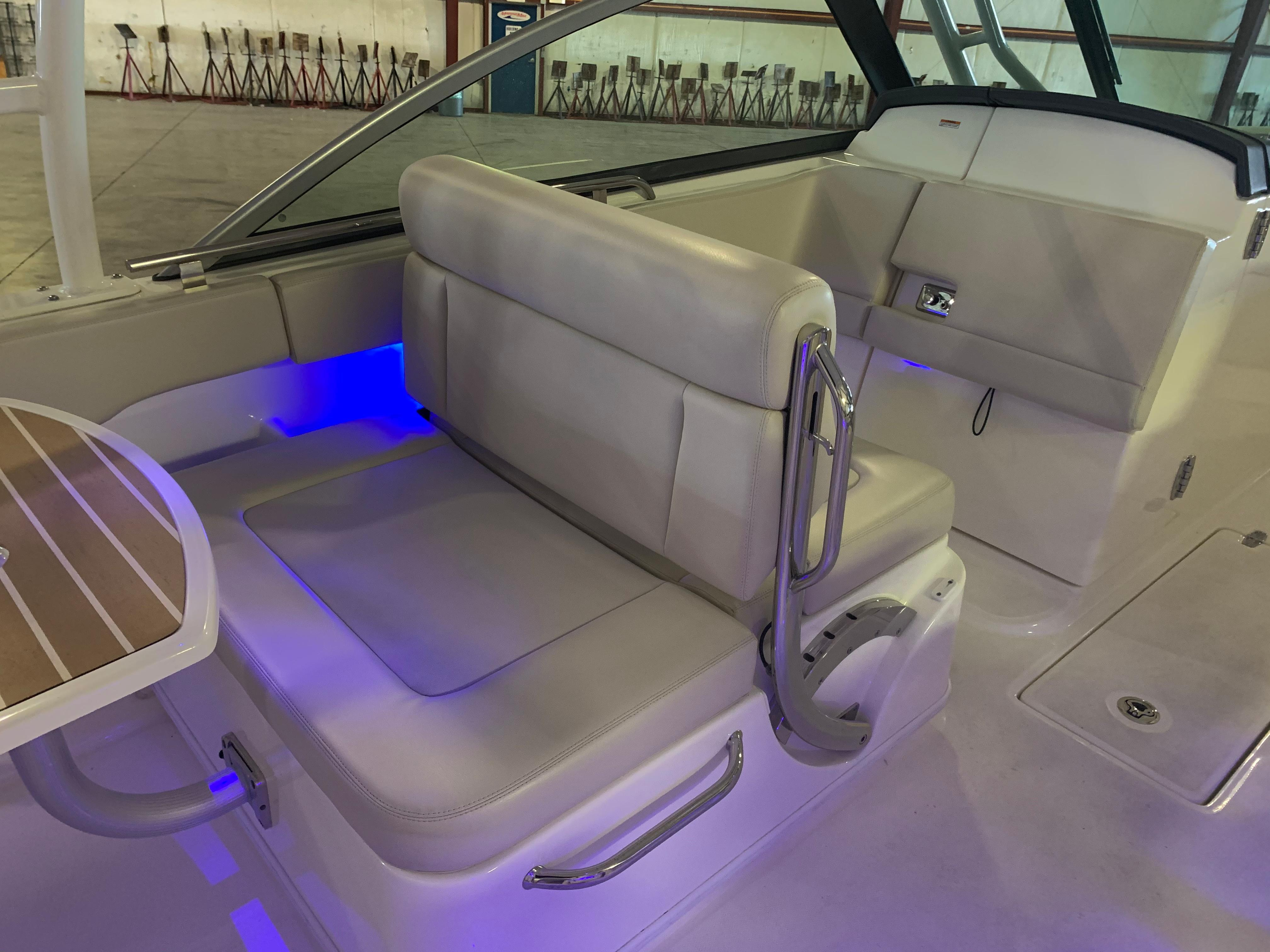 2018 Boston Whaler                                                              270 Vantage Image Thumbnail #21