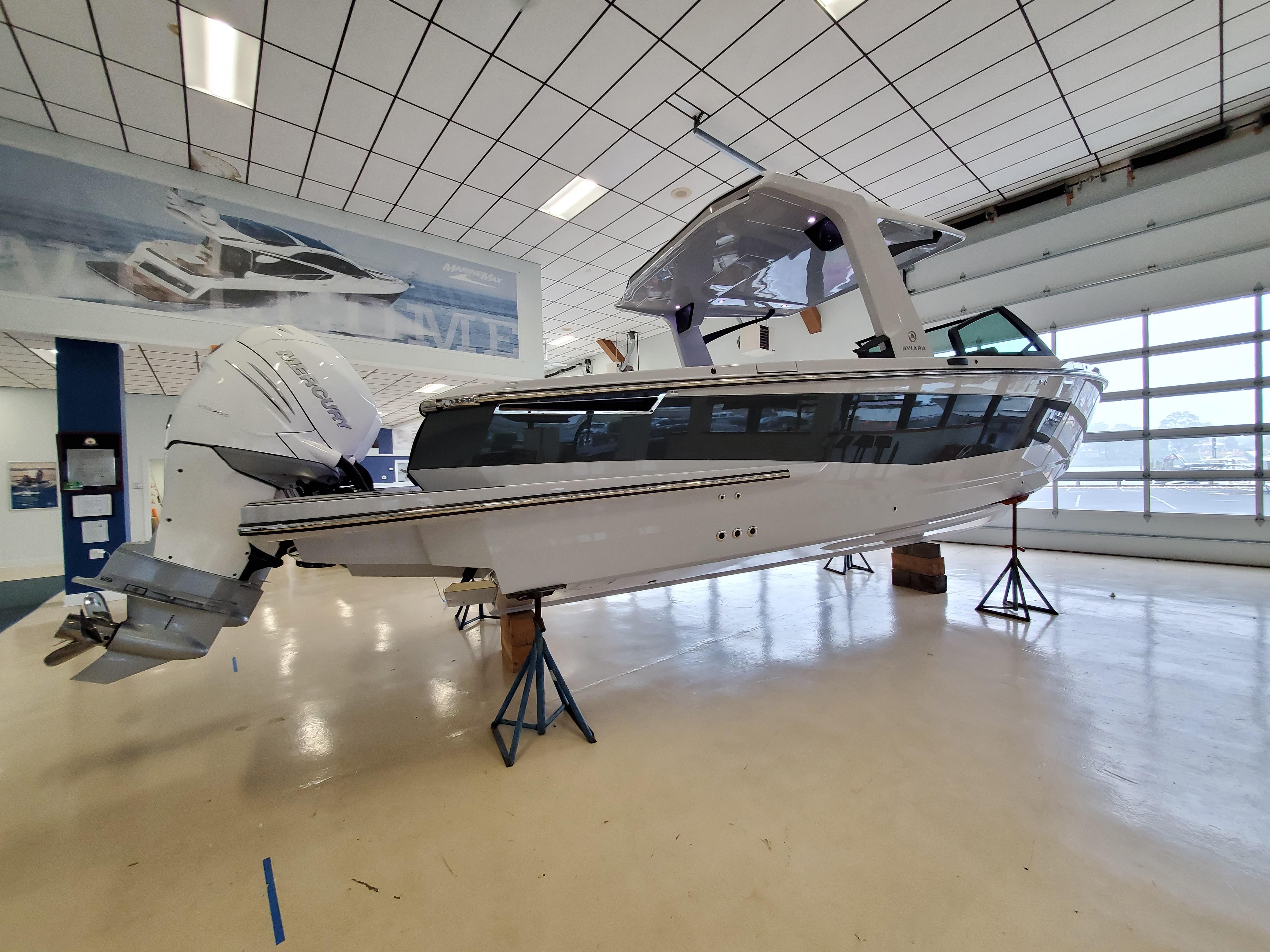 2021 Aviara                                                              AV32 Outboard Image Thumbnail #1