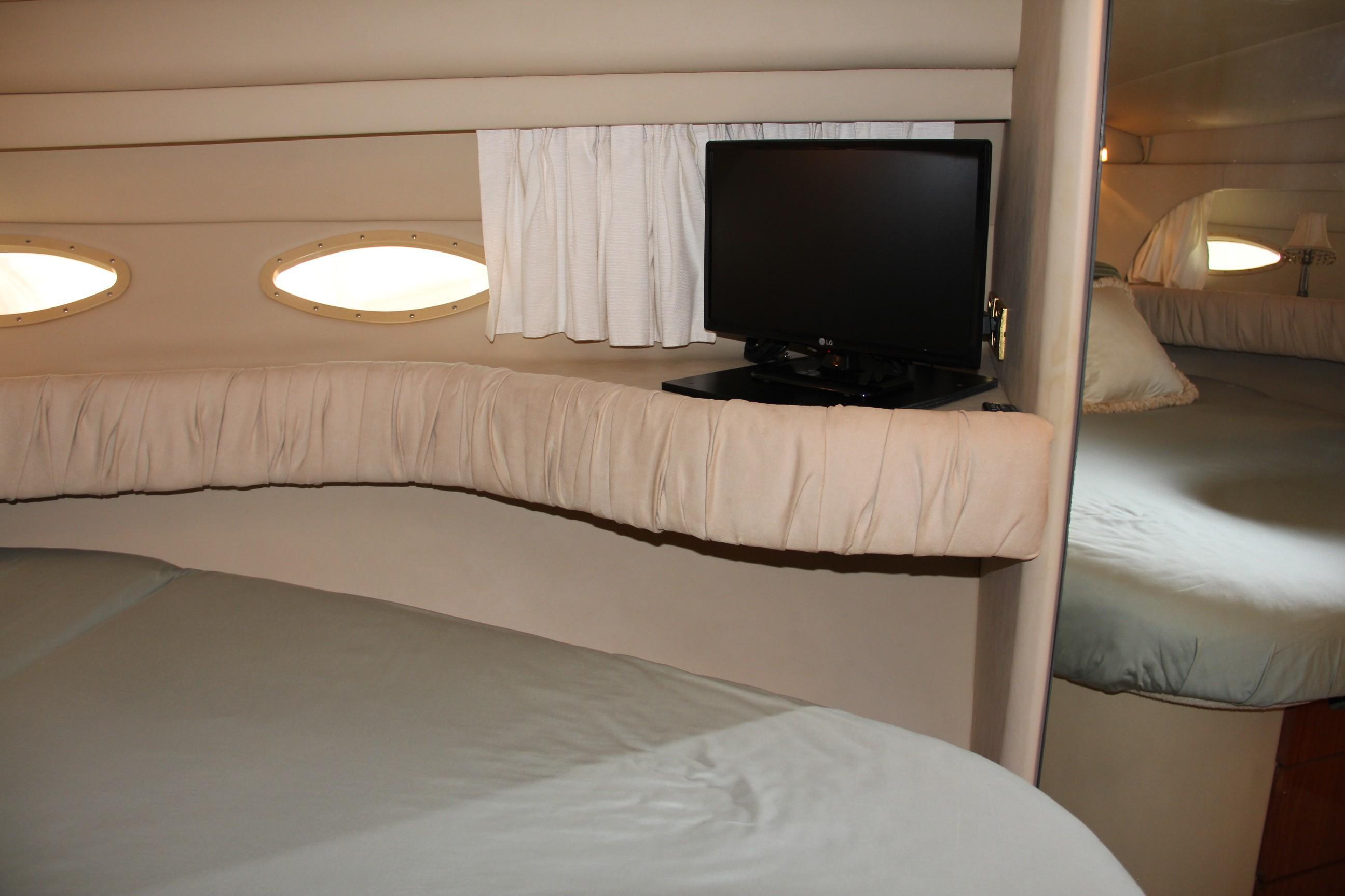 2000 Sea Ray                                                              38 AFT CABIN Image Thumbnail #34