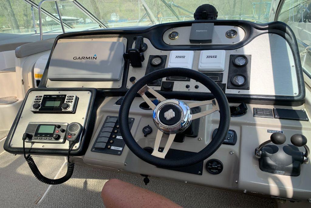 2004 Cruisers Yachts                                                              440 Express Image Thumbnail #33