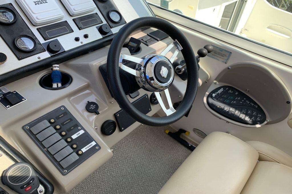 2004 Cruisers Yachts                                                              440 Express Image Thumbnail #35