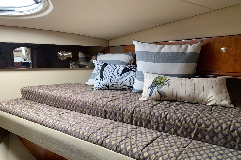 2004 Cruisers Yachts                                                              440 Express Image Thumbnail #56