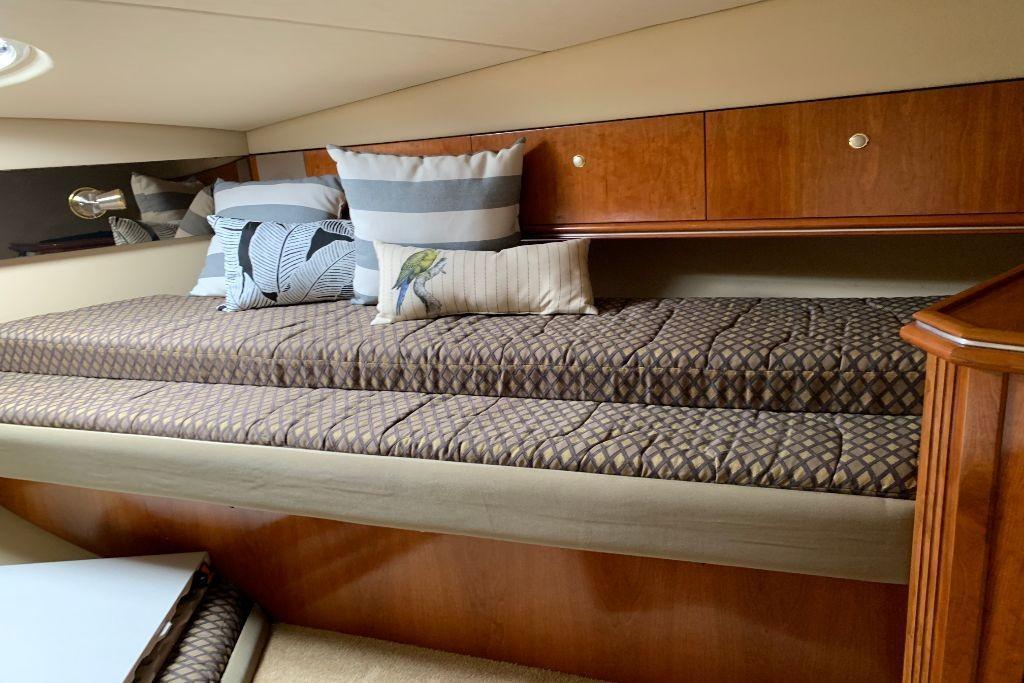 2004 Cruisers Yachts                                                              440 Express Image Thumbnail #57