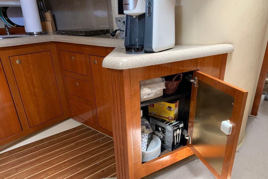 2004 Cruisers Yachts                                                              440 Express Image Thumbnail #74
