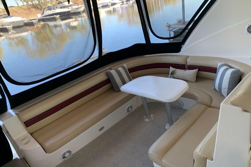 2004 Cruisers Yachts                                                              440 Express Image Thumbnail #12