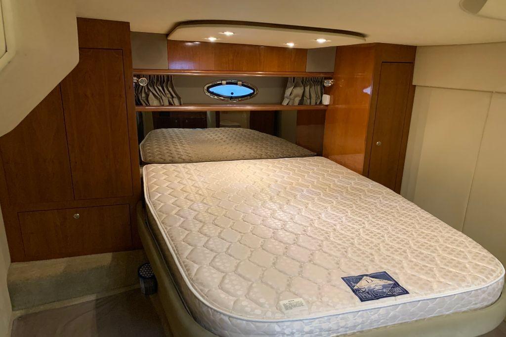 2004 Cruisers Yachts                                                              440 Express Image Thumbnail #103