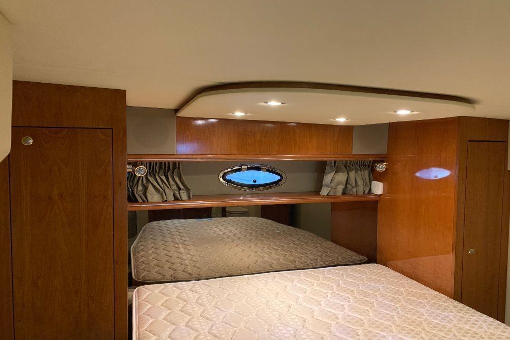 2004 Cruisers Yachts                                                              440 Express Image Thumbnail #104